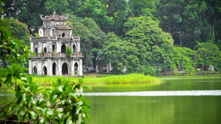 Hoan Kiem Lake, Ngoc Son temple.jpg